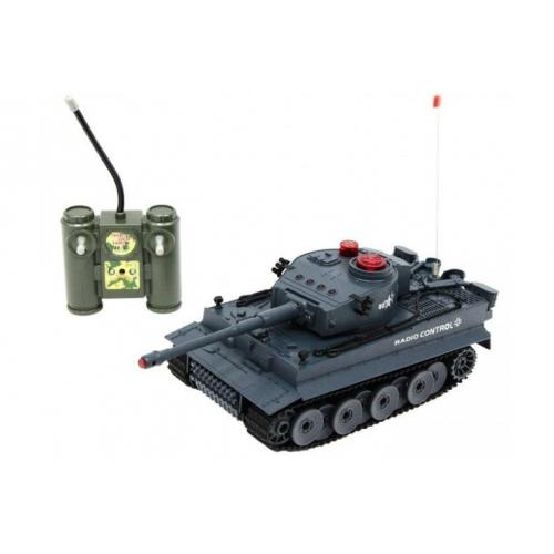 Радиоуправляемый танк (на аккумуляторе, свет, звук)